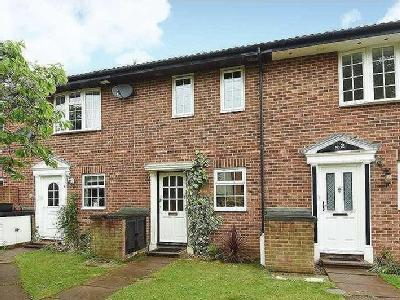 House to rent, Nash Gardens - Parking