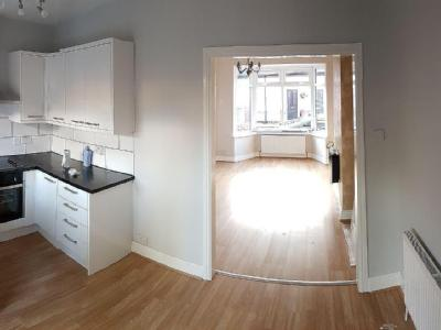 House to let, Grove Hill - House