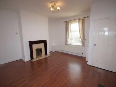 House to let, Lever Street - Terraced