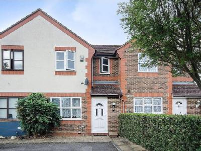 House to rent, Forbes Way - Terraced