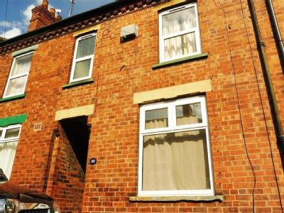 House to let, Coleby Street - Modern