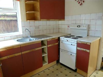 House to rent, King Street - Terraced