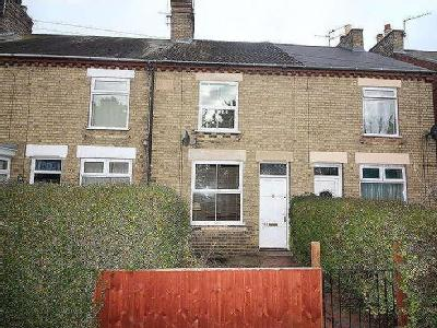 House for sale, New Road - Terraced