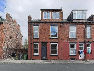 House for sale, Pinder Grove