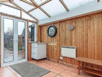 House for sale, Anyards Road - Garden