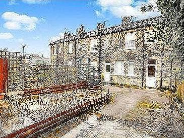 House for sale, Shay Lane - Terrace