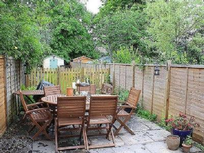 House for sale, Laceys Lane - Garden