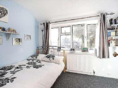 House for sale, Hanworth Road