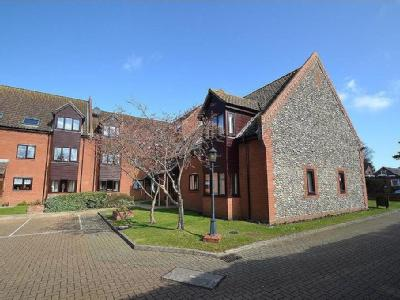 Flat to let, Holt - Unfurnished