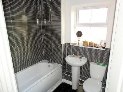 Wharf Lane, Solihull - En Suite