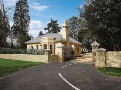 Flat for sale, Lexden - Not Cash Only