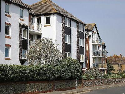 Flat for sale, Hythe