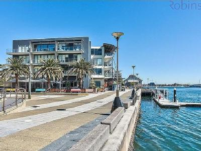 3A Honeysuckle Drive, Newcastle, NSW, 2300