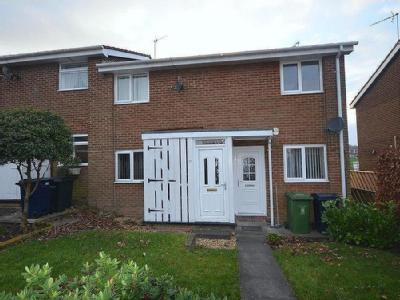 Flat to let, Sunniside - Unfurnished