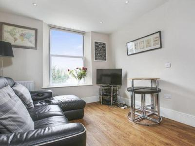 Stamford Hill, N16 - Double Bedroom