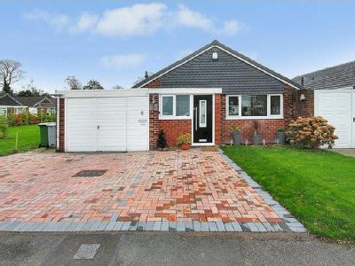 Hallwood Road, Handforth - Detached