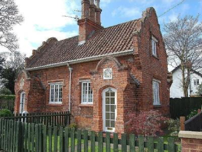 Clee Crescent, Grimsby - Cottage