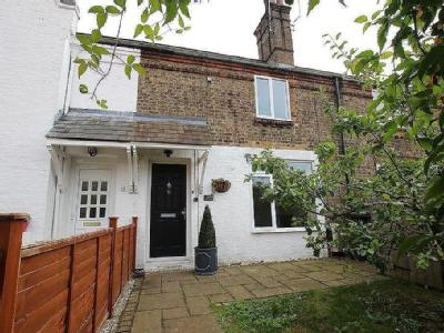 House to let, The Range, Ely - Garden