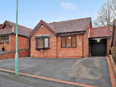 Westerdale Close, Woodsetton, DY3