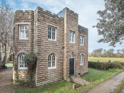 East Cowes, Isle of Wight - Detached