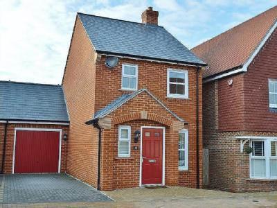 House to let, Sherfield Park - Modern