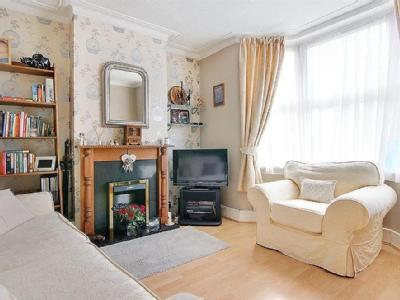 2 Bedroom Homes Houses For Sale In Chingford Road E17 London