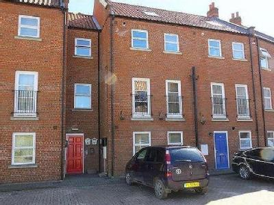 Flat for sale, Essex - Terraced