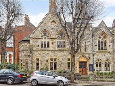 Cloisters Court, Cromwell Avenue, N6