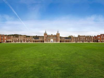 Apt 5, 26 Parade Ground Path, Woolwich Common, London SE18