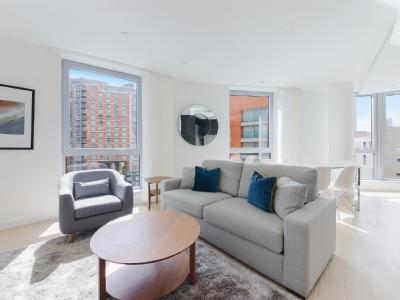 Columbia West Apartments, New Providence Wharf E14