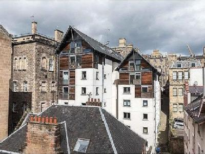 Flat for sale, Old Town, EH1 - Lift