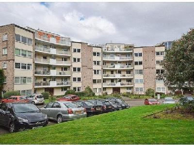 Orchard Brae, Eh4 - Penthouse, Lift