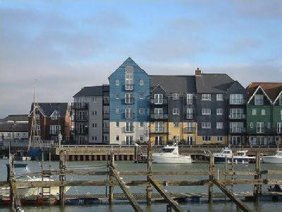 Pier Road, Littlehampton, West Sussex, Bn17
