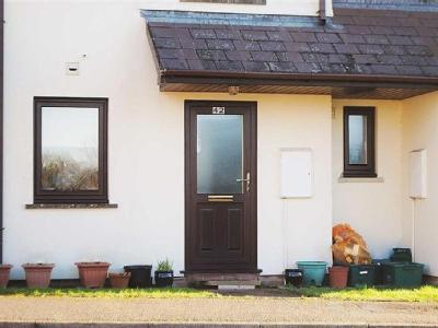 Flat to let, Tenby Area - Garden