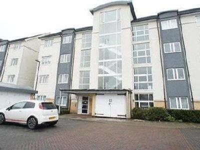 Fantail Close, London SE28 - Balcony