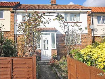Grant Close, N14 - Double Bedroom