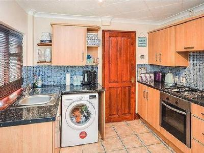 House for sale, Alfred Road - Garden