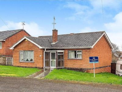 House for sale, Woodland Way - Garden