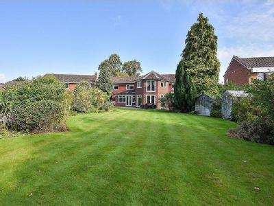 House for sale, Areley Court - Garden