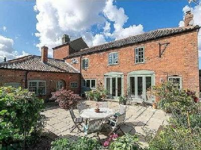 The Coach House - Victorian, Listed