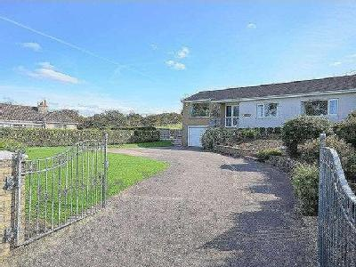 Property for sale, Woodend - Garden
