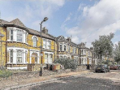 Forest Drive East, London E11
