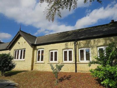 Middlemarch, Kingsley Avenue, Fairfield, Hitchin, SG5