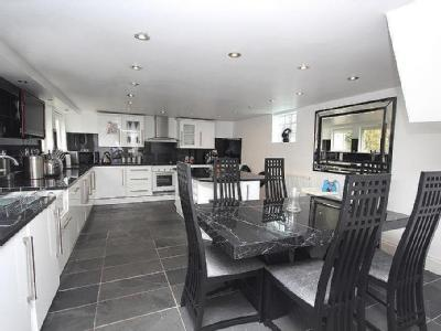 Albany Terrace, Worcester - Reception