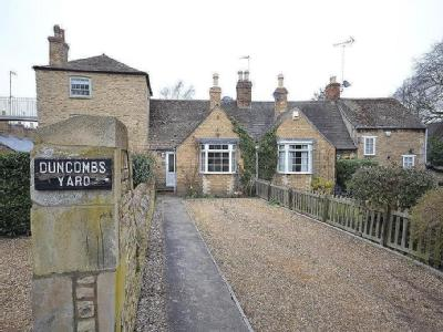 Duncombs Yard, Stamford - Listed