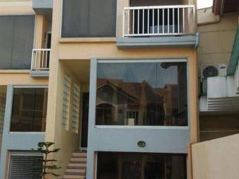 House to let Angeles - Townhouse