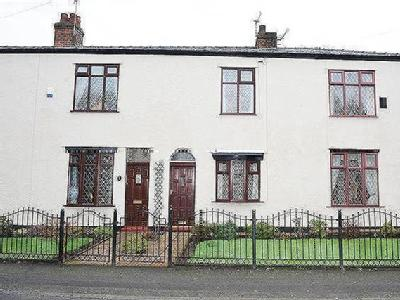 7 Cutnook Lane, Irlam M44 - Terraced