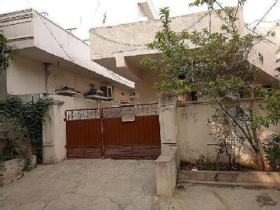 Independent House,Rd Number 12, near vidyut nagar water tank and Fusion  Juice And Fruits,Serilingampally,hyderabad