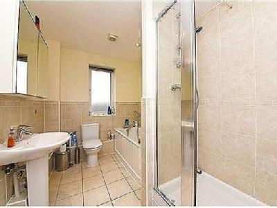 Flat for sale, Mill Hill - Balcony