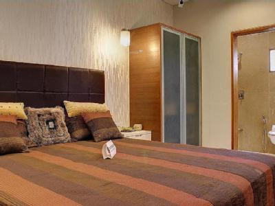 2 BHK Flat for sale, Reflections